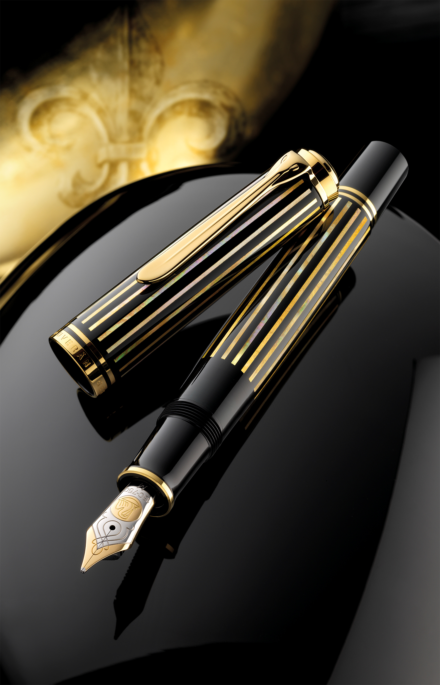 Pelikan M800 Royal Gold.jpg